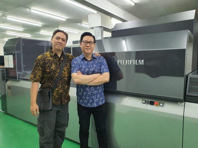 Aneka eXpress Printing Instal mesin Jetpress 750S (Generasi ke-3 Jetpress)