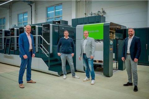 Tampilan Futuristik Rapida 106 X Di Percetakan Arnold Group